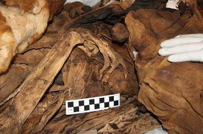 Учёные: Археологи нашли в Перу две мумии, которые хорошо сохранились