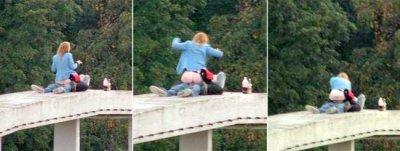 На мосту трахает в москве